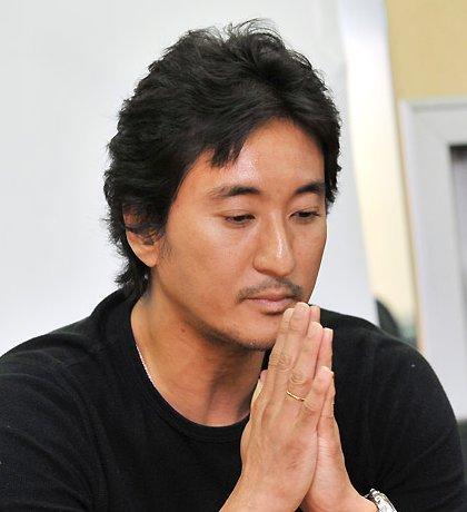 シン・ヒョンジュン釈明会見「殴ったのは事実だが・・」