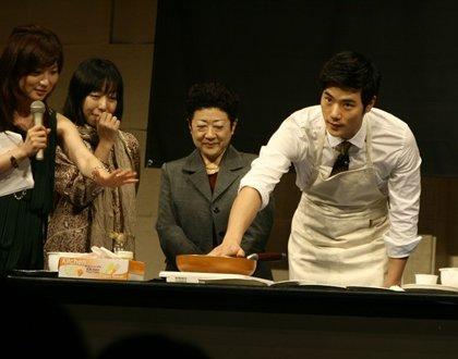 キム・ガンウ初の日本ファンミーティング