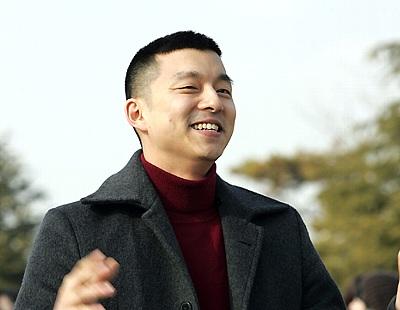 韓国俳優コンユ 軍入隊