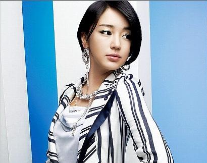 韓国女優 ユン・ウネ