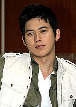 韓国俳優 コ・ス