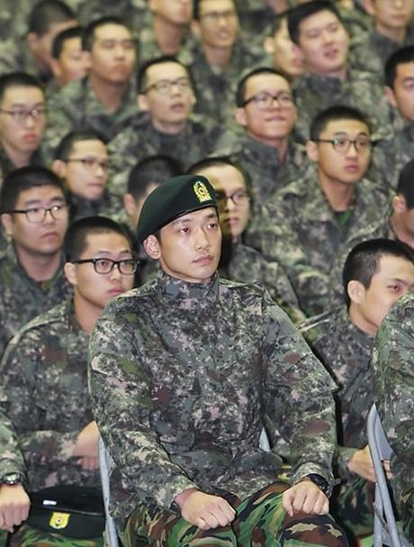人気の韓国歌手 ピ(RAIN)(29)が10月11日午後、兵役義務で韓国軍に入隊した。